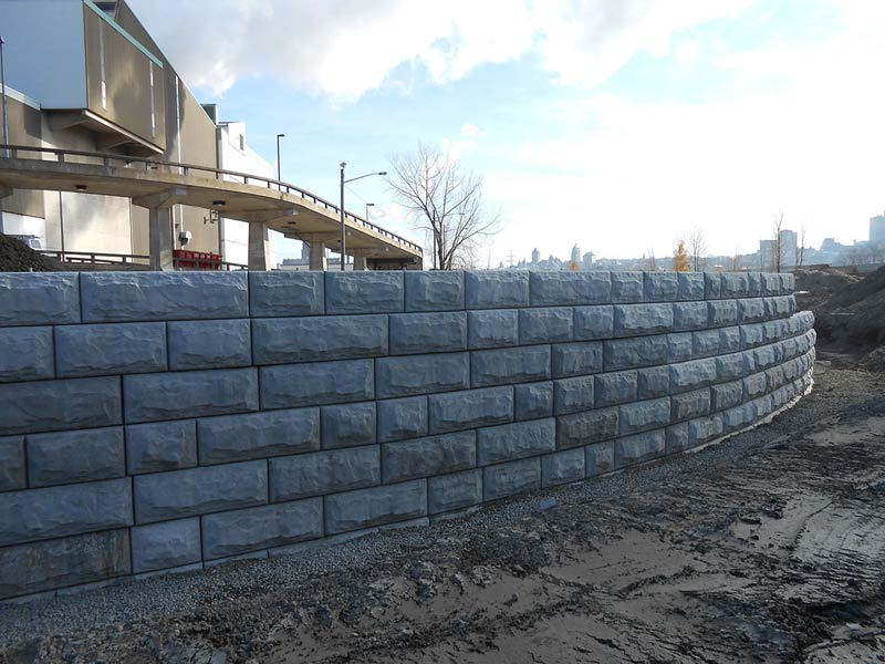 Béton Provincial - Mur Stone Strong à l'incinérateur de Québec